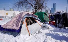 危害市容,德州立法者拟禁止游民路边搭帐篷