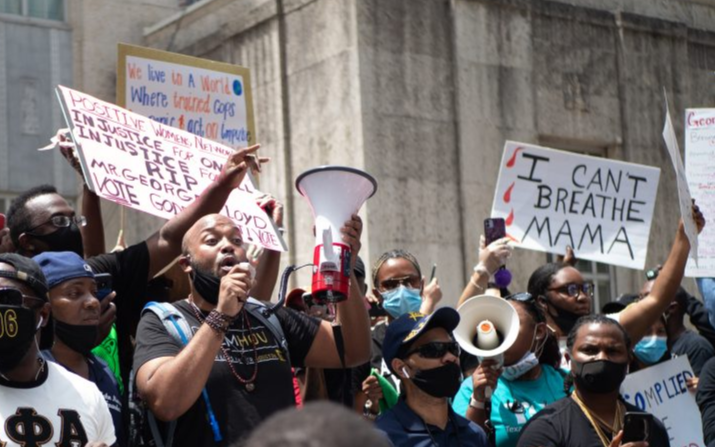 休斯頓示威遊行越演越烈,200人遭捕、4警員受傷
