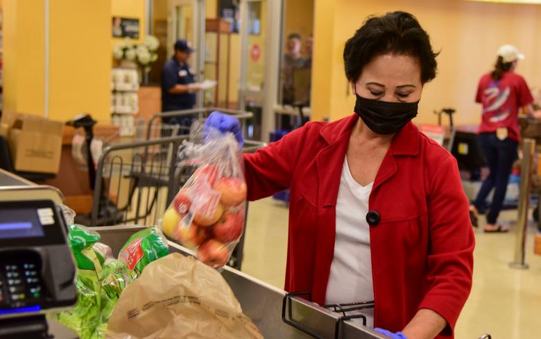 白宮:接下來兩周,避免去超市、藥局