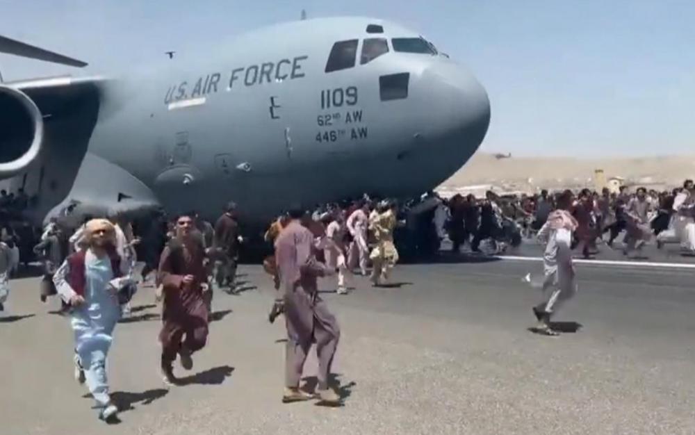 阿富汗變天 美加派美軍接管機場