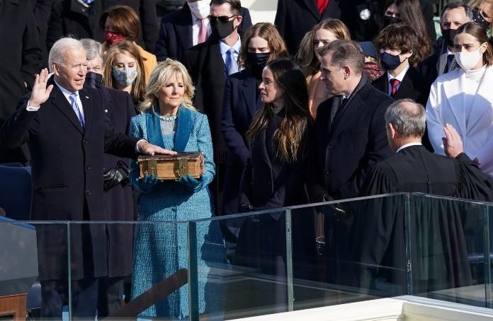 拜登宣誓就任,成為美國第46任總統。(Reuters)