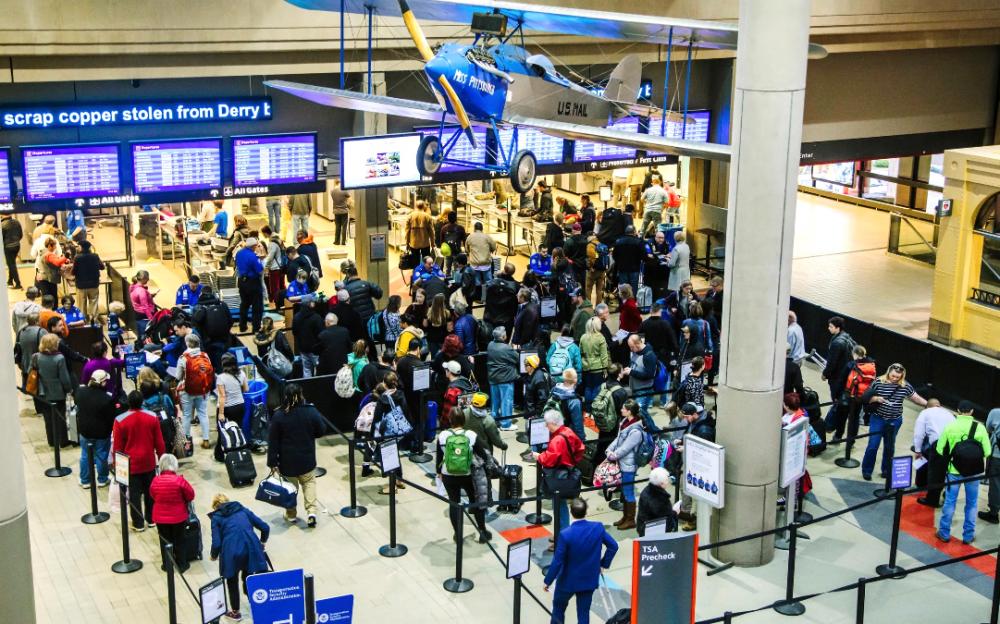 美国旅游业反弹    单日机场安检人数首次突破200万大关
