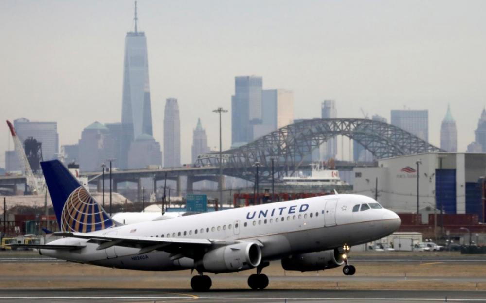 因冠狀病毒的影響 美聯航 1萬6千多名員工被迫休假