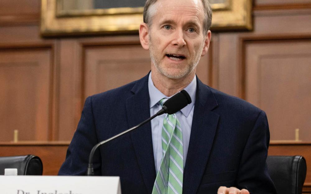 """约翰·霍普金斯大学健康专家:今年可能会提供冠状病毒疫苗,但不要""""靠它"""""""