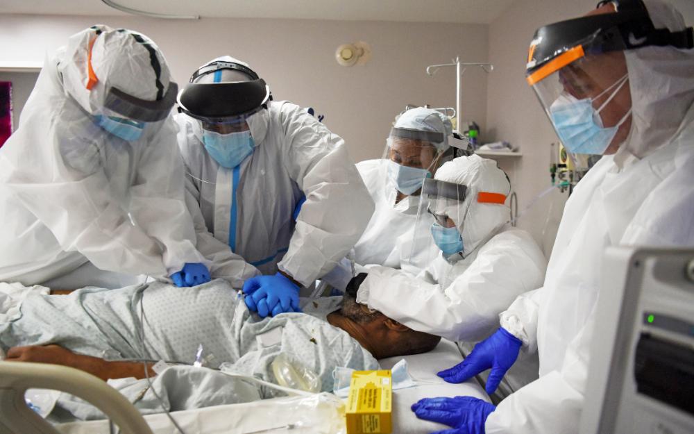 美國單日確診新冠病毒感染人數超過83,000例   創新冠病毒新裏程碑