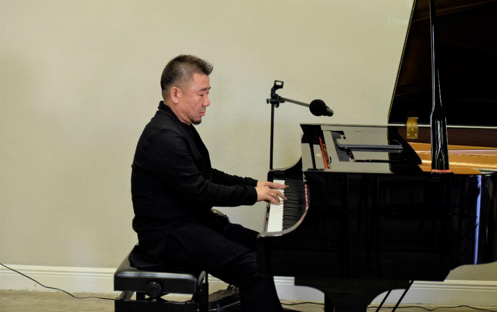 崔健乐队键盘手、着名音乐人孔宏伟钢琴独奏音乐会在张要武艺术中心隆重举行