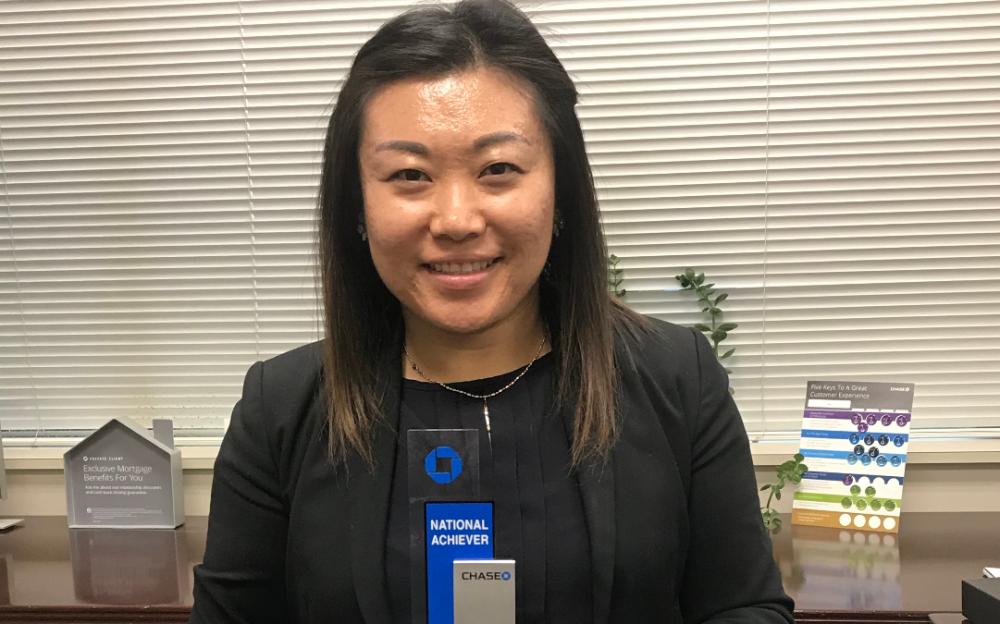 Chase Bank 助理副總裁李涵 本週榮獲「全國成就獎 」