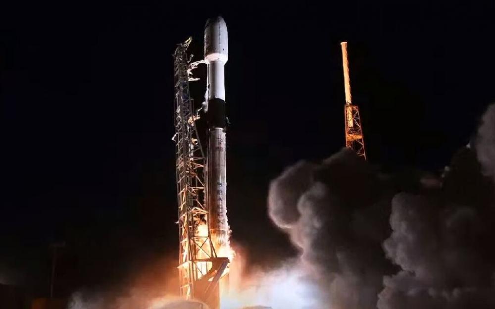 SpaceX將第25批星鏈寬帶衛星發射入地球軌道