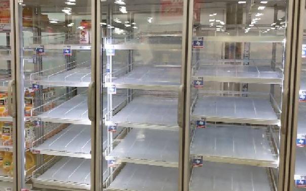 民眾瘋囤貨,H-E-B、Kroger超市籲要「理性消費」