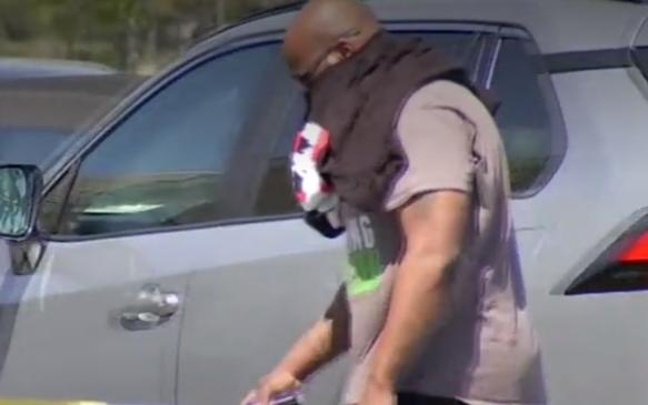 哈里斯郡強制戴口罩命令,引起反彈
