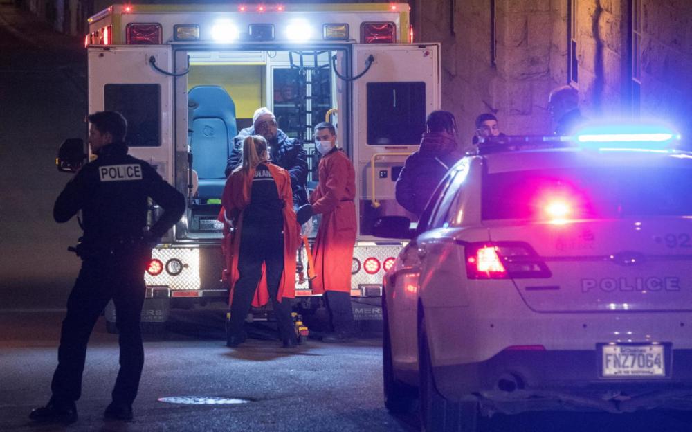 """萬聖節之夜""""僞裝紳士""""在加拿大魁北克市殺死2人,刺傷5人"""