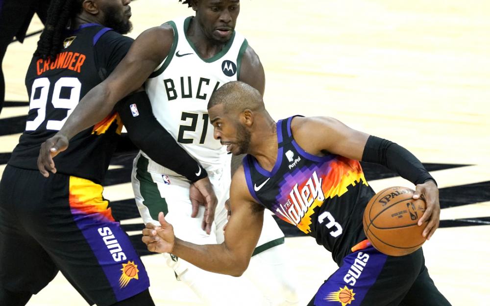 NBA总决赛揭幕战保罗勇斗字母哥    带领太阳118:105大胜雄鹿