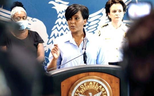 民主黨總統候選人拜登的可能搭檔之一、亞特蘭大市長的冠狀病毒檢測呈陽性