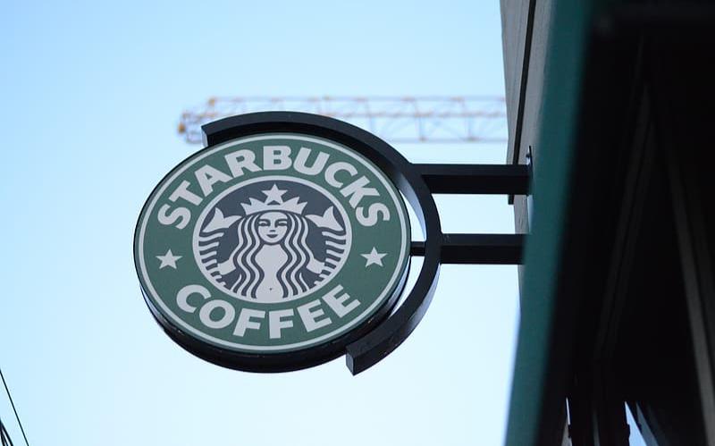 德州星巴克咖啡師要求雇客戴口罩,反被攻擊