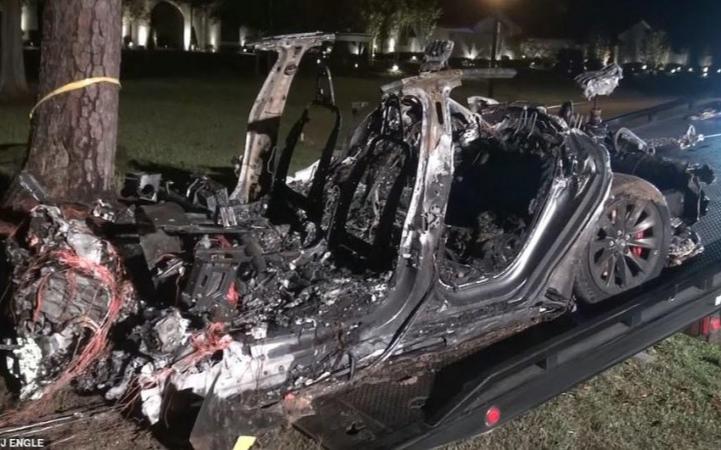 休士頓特斯拉事故兩名死者身分確認