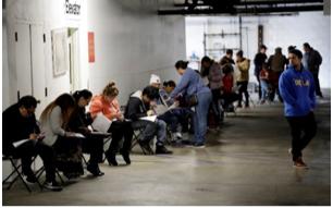 單週660萬人失業 全美十年新增崗位兩週被抹去一半 工廠關門造成的損失 已經是9•11事件期間的2.5倍