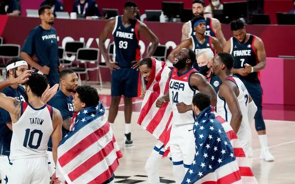 东京奥运会男子篮球冠军争夺战 美国队 87-82 击败法国队夺得金牌