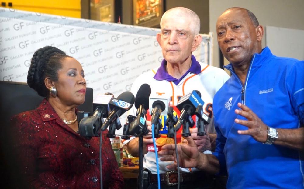 休斯頓特納市長訪問馬克床墊公司 為弱勢社區提供幫助