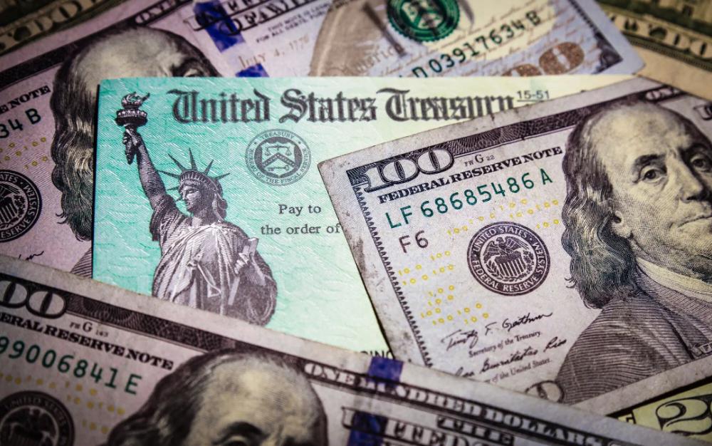 美南新聞設服務熱線   免費爲小型企業申請500億美元經濟援助提供咨詢