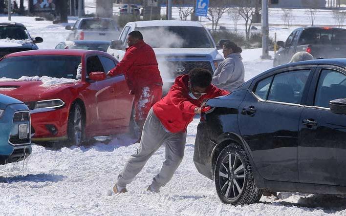 國稅局推遲德州人從冬季風暴中恢復報稅的截止日期