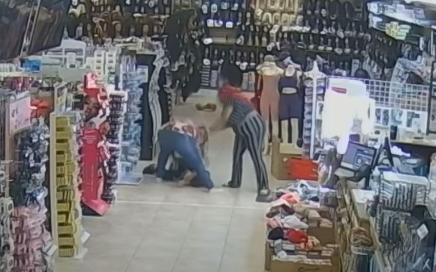 被嗆「你這個亞洲小女孩」,休士頓亞裔女店主遭攻擊、鼻子破相