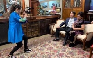 專訪休斯頓GMS大畫廊商業藝術家龔如芳!