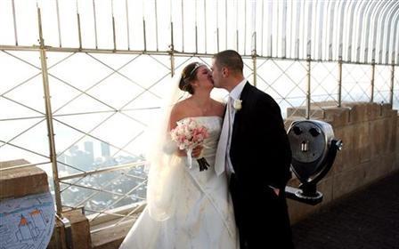 疫情之下,德州结婚人数减半!