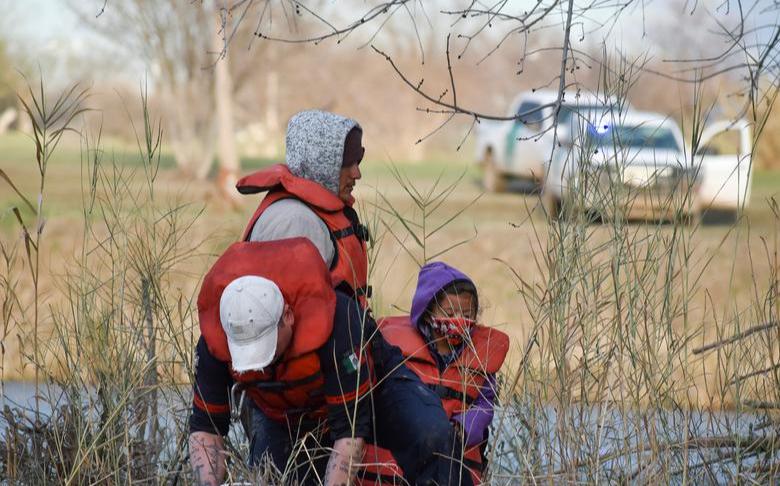 冒死偷渡 逾200多名非法移民进德州