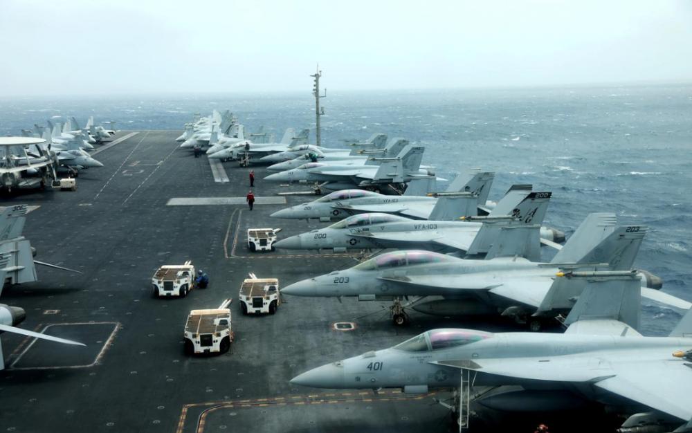 南海局势 印海軍與美航母聯合軍演