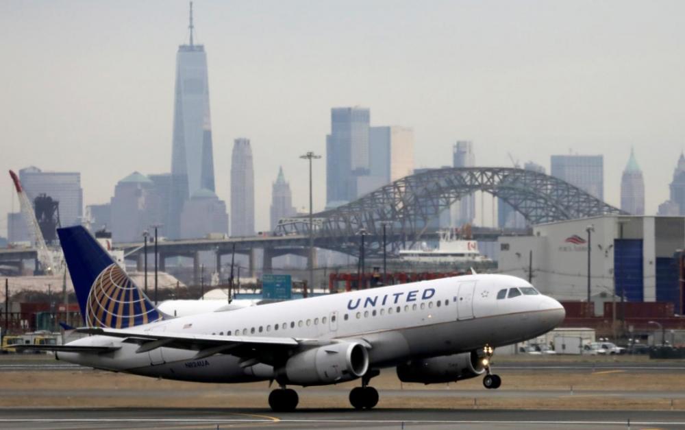 因冠狀病毒的影響   美聯航1萬6千多名員工被迫休假