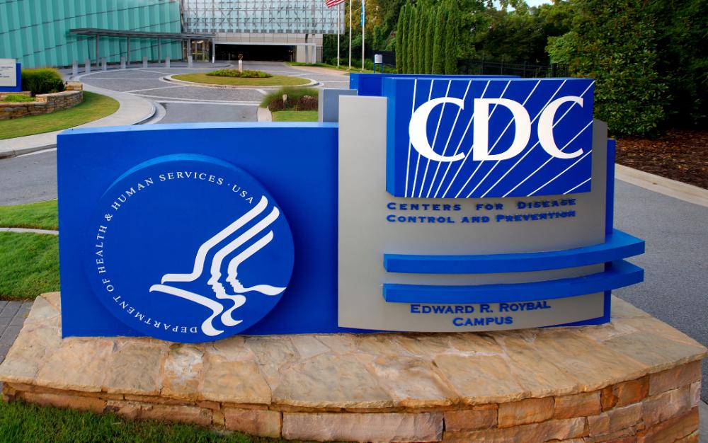 CDC新防疫方針使專家跳腳!模行預測:防疫方式不改,12月將死31萬多人