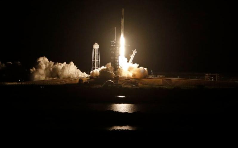 SpaceX 重复使用火箭送4名太空人上太空站