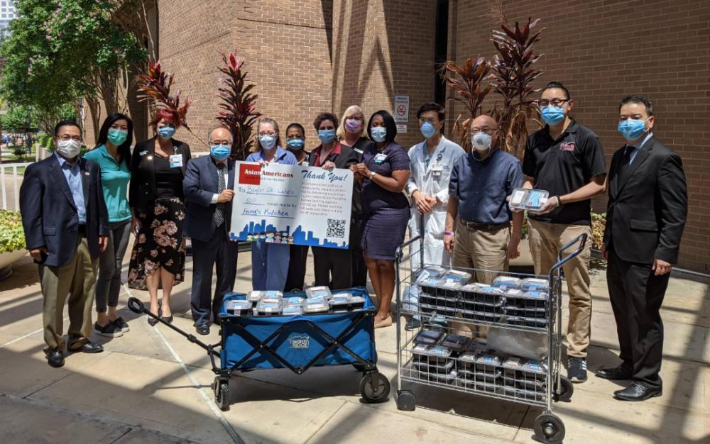 休士頓華裔社區五月贈餐活動進入高潮