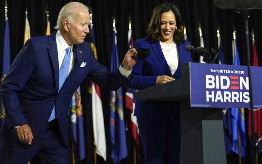 """拜登和哈裏斯作爲總統競選搭檔首次亮相:聲稱 """"美國正在爲領導而大聲疾呼"""""""
