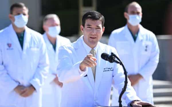 """特朗普的醫生:如果情況繼續改善,總統""""最早周一""""重返白宮"""