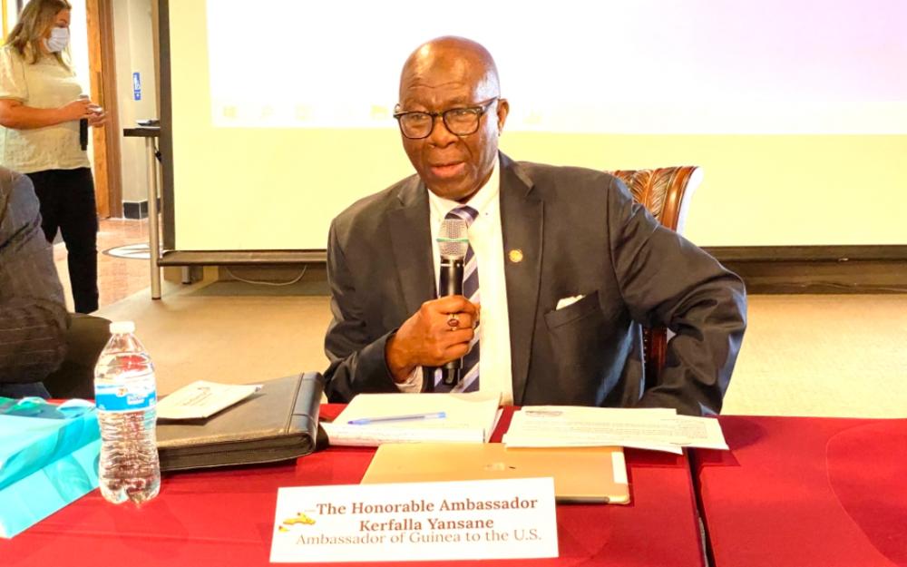 几内亚驻美大使杨森访问几内亚驻休斯顿总领事馆并发表主旨演讲