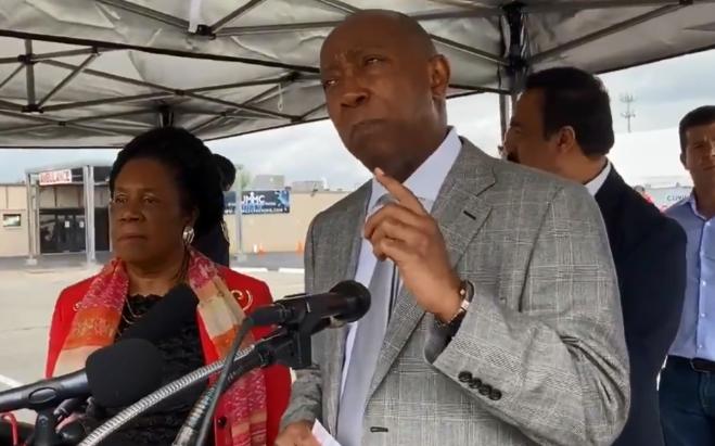 市長:休斯敦地區首個「免下車」檢疫站將啟用
