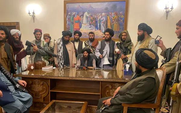 阿富汗总统逃离    塔利班控制总统府   美国等60余国发表联合声明