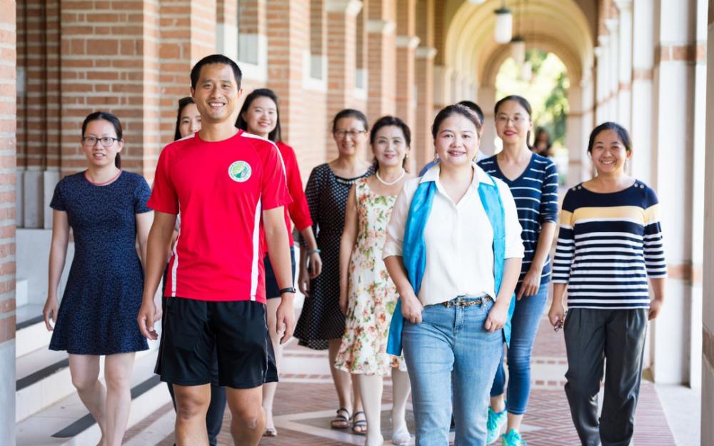 休斯頓龍學天下中文學校被美國Better Business Bureau認證爲A+企業!