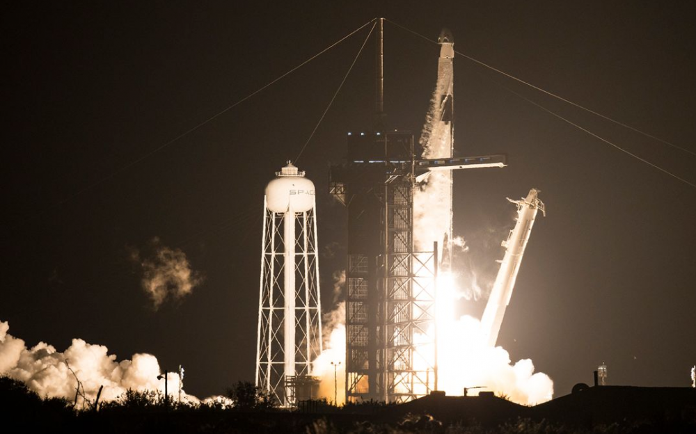 SpaceX航天器正在將四名宇航員送往國際空間站