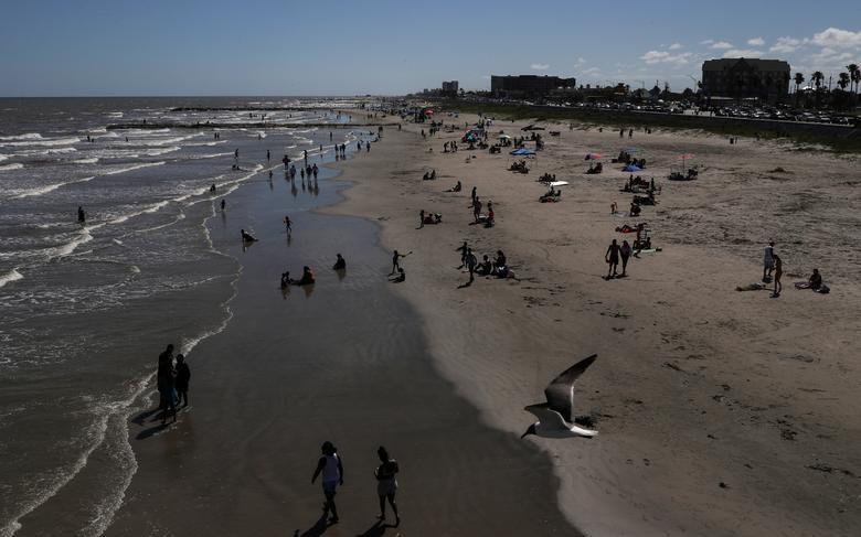 加尔维斯顿县官员预计春假期间,海滩将涌入更多人流